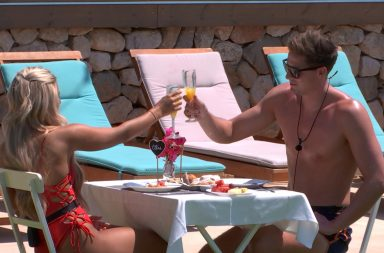 Love Island's Dr Alex and Ellie awkwardness - ITV2, series 4, episode 18