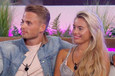 Love Island: SR4: Ep29 on ITV2 - Charlie Brake and Ellie Brown