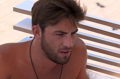 From ITV Studios Love Island: SR4: Ep51 on ITV2 Pictured: Jack reassures Dani.