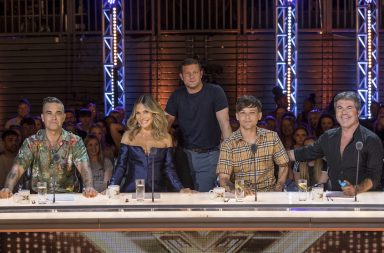 From Thames/Syco The X Factor: SR15 on ITV Pictured: Robbie Williams, Ayda Field, Dermot O'Leary, Louis Tomlinson and Simon Cowell.