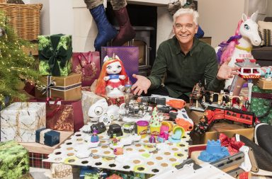 HOW TO SPEND IT WELL AT CHRISTMAS -WITH PHILLIP SCHOFIELD Ep1 Toys Tuesday 27th November 2018 on ITV