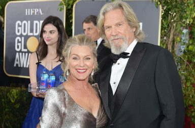 LOS ANGELES, CA - JANUARY 06: Susan Geston (L) and Jeff Bridges attend FIJI Water at the 76th Annual Golden Globe Awards on January 6, 2019 at the Beverly Hilton in Los Angeles, California. (Photo by Stefanie Keenan/Getty Images for FIJI Water)
