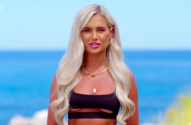 Love Island: SR5 on ITV2. Pictured: Molly-Mae