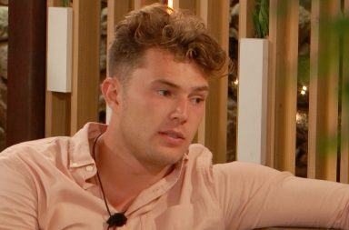 From ITV Studios Love Island: SR5: Ep45 on ITV2 Pictured: Curtis and Maura chat.