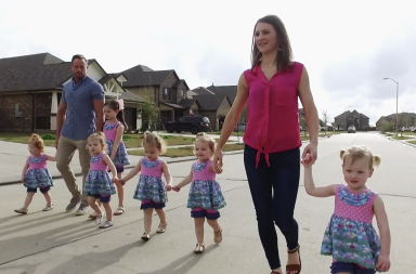 https://www.tlc.com/tv-shows/outdaughtered/full-episodes/the-quints-have-taken-over
