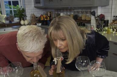 how to spend it well gin making kit https://www.itv.com/hub/how-to-spend-it-well-at-christmas-with-phillip-schofield/2a5498a0009