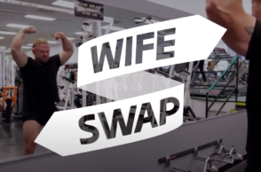 'Wife Swap' Official Trailer | Wife Swap Is Back! | Paramount Network (https://www.youtube.com/watch?v=pEmNC2hc1_c)
